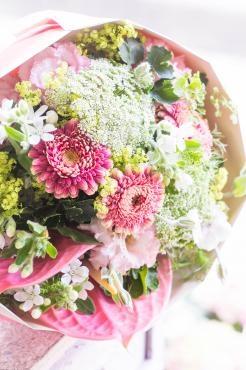 お誕生日祝いの花束…